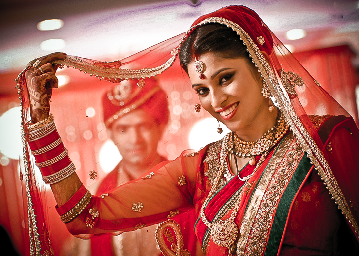 7 Best Candid Couple Poses From Real Indian Weddings You Might Want To Steal