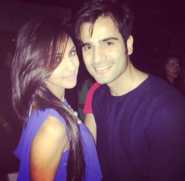 yashashri masurkar och Karan tacker dating Jag vill inte bara koppla in