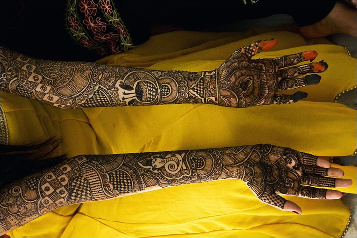 New Bridal Mehndi Designs 2017 For Full Hands: From Caricatures To Moving Doli 60 Creative Full Hands Bridal rh:bollywoodshaadis.com,Design