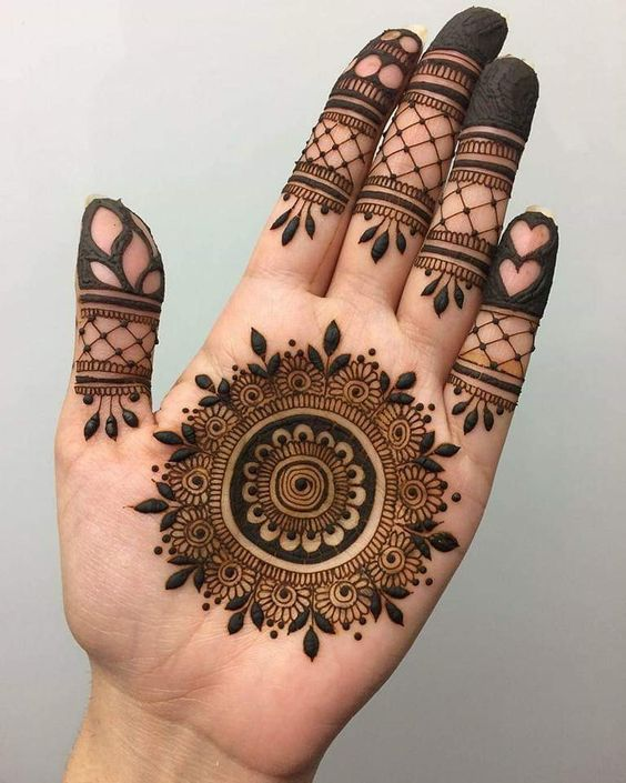 7 Places In Delhi Where You Can Find The Best Mehendi Artists Of The