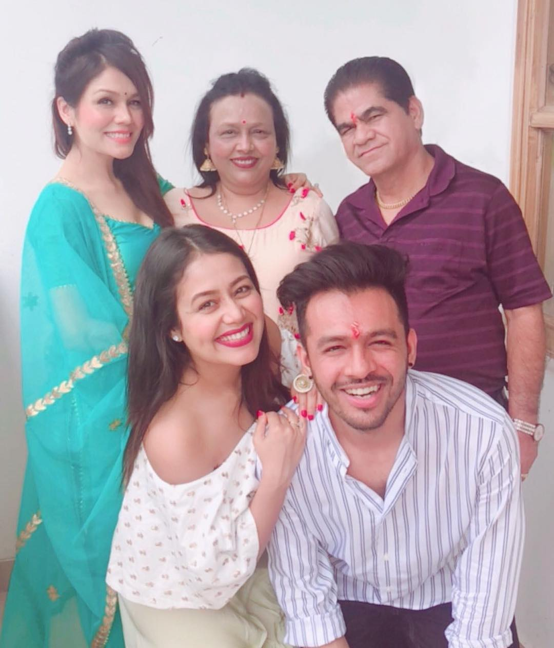 Neha Kakkar Sonu And Tony Pose For A Naughty Pull Your Brother S Ears Picture On Bhai Dooj