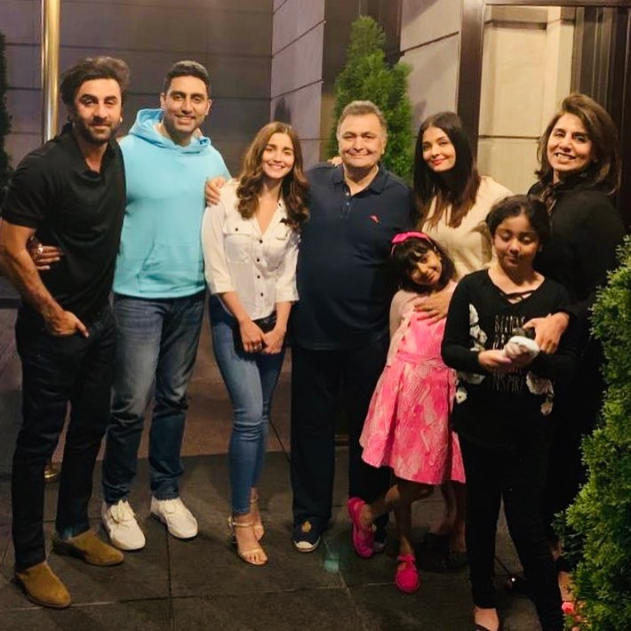 Rishi Kapoor Receives A Heartwarming Welcome At Home By His