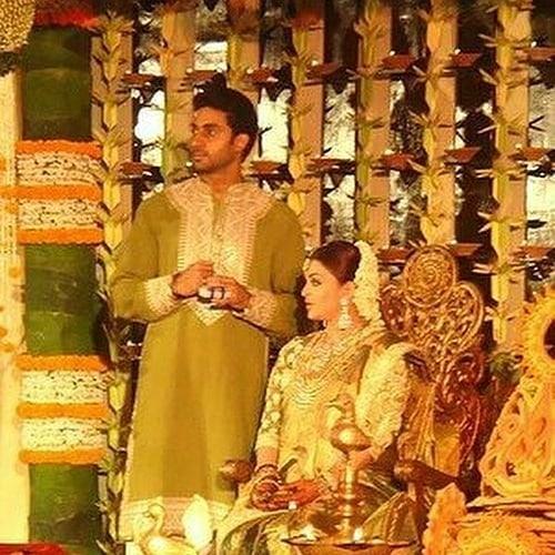 Unseen Pics Of Aishwarya Rai Bachchan S Godh Bharai Amitabh Jaya Bachchan Shower Love And Blessings